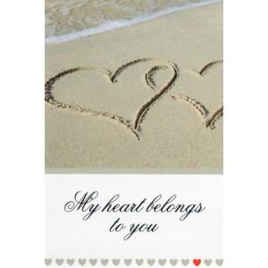 valentijnskaart harten in het zand met tekst