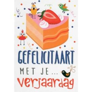 Felicitatiekaart met de tekst gefelicitaart met je verjaardag om zelf het aantal jaren in te vullen en de afbeelding van een getekend gebakje met vogeltjes eromheen