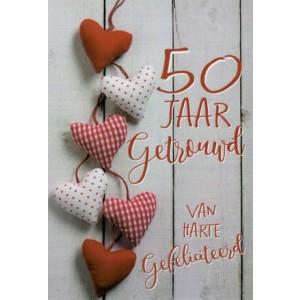Wenskaart 50 jaar getrouwd, van harte gefeliciteerd met een vrolijke slinger van hartjes