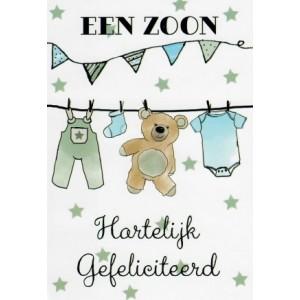 Wenskaart geboorte zoon met een waslijn met babykleertjes en een teddybeer