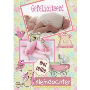Wenskaart gefeliciteerd met jullie kleindochter met diverse baby afbeeldingen en attributen