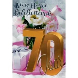 wenskaart 70 jaar hartelijk gefeliciteerd met bloemen en een cadeautje