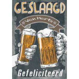 wenskaart met bier voor iemand die geslaagd is