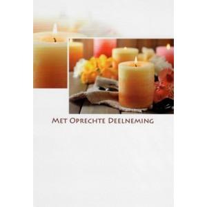 Condoleance wenskaart in kleur met de afbeelding van brandende kaarsen