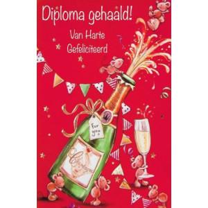wenskaart met champagne diploma gehaald