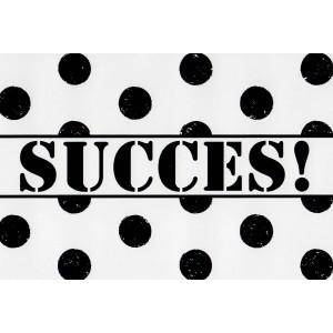 wenskaarten succes in zwarte letters en rondom zwarte stippen