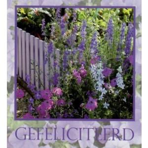 wenskaart hartelijk gefeliciteerd met een tuinhekje omringd door mooie veldbloemen