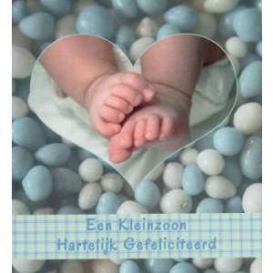 Little square wenskaart vierkant een kleinzoon, hartelijk gefeliciteerd met babyvoetjes omringd door blauwwitte muisjes
