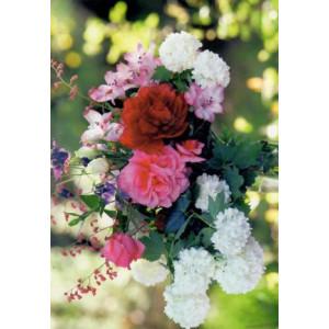 groot boeket bloemen op een wenskaart