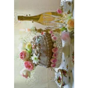 wenskaart met bruidstaart bloemen en champagne