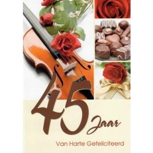 45 jaar van harte met chocola, rozen en een viool