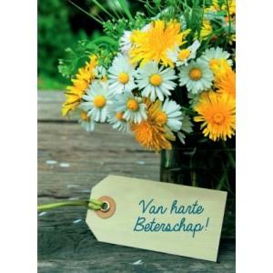 A4 kaart van harte beterschap met gele en witte bloemen in een glazen vaas