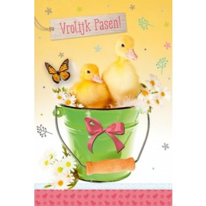 Wenskaart Vrolijk Pasen met kuikentjes in een groene emmer