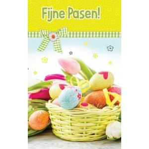 Wenskaart Fijne Pasen met een mandje met kleurige eieren
