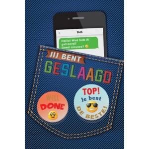 Wenskaart geslaagd luxe met de afbeelding van een broekzak met daarin een mobieltje