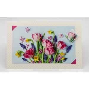 Adios wenskaart zonder tekst met roze tulpen, blauwe druifjes en gele narcissen